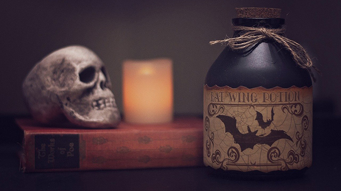 17 Deliciously Creepy Quotes from Books