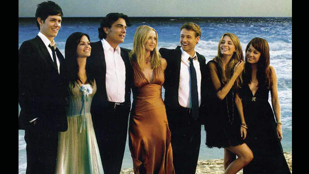 7 Reasons You NEED to Watch The OC