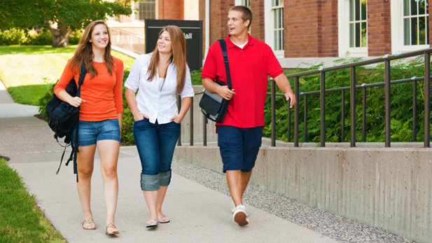 10 People You'll Meet in Your Freshman Dorm