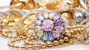 What Your Favorite Piece of Jewelry Says About You