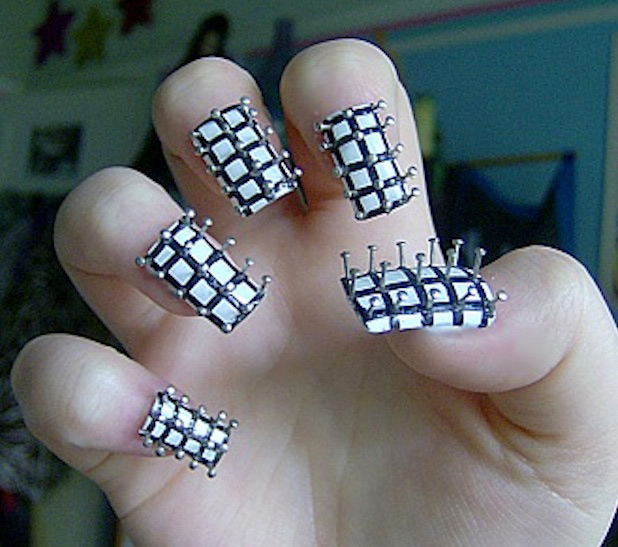 25 Geeky Nail Art Designs for Halloween - Mindhut - SparkNotes