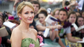 J.K. Rowling Is Writing a Harry Potter Spin-off Movie!!!