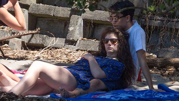 Racist Teens Go Bonkers Over Lordes Boyfriend