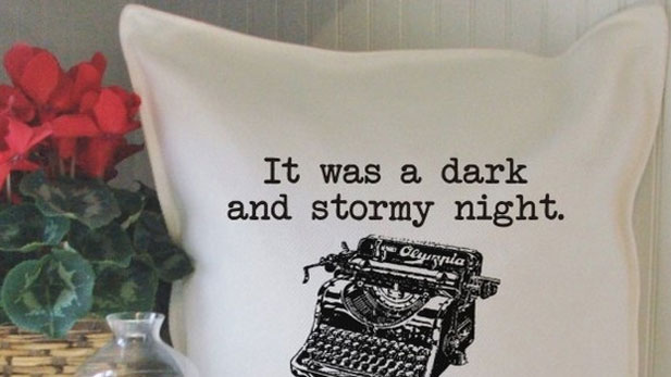 11 Pieces of Dorm Decor For Book Lovers