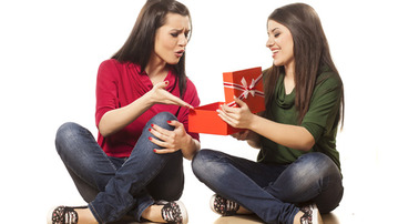The 15 Worst Things to Say When You Get a Bad Gift