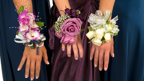Crazy Prom Invites From Across the Interwebs