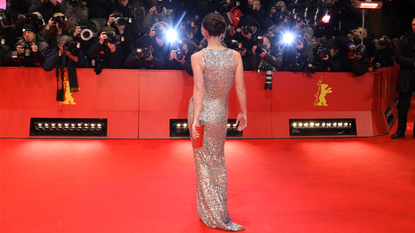 Saw Your Body in Half + 19 More Ways to Stand Out on the Red Carpet!