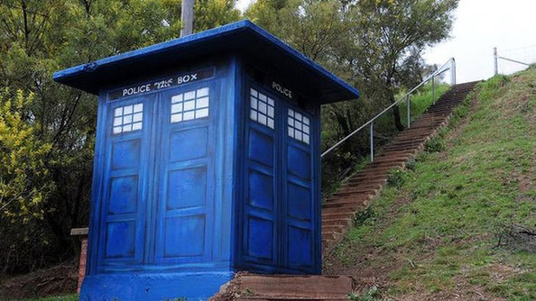 Mystery Of The Mysterious TARDIS That Appeared In Australia Is Solved!