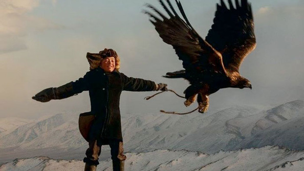 WE RAISE YOUR HEDWIG A GOLDEN EAGLE