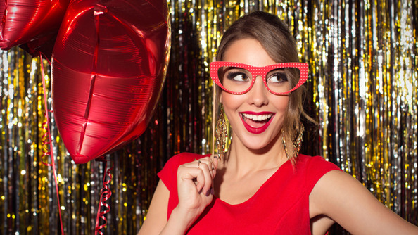 No New Year's Eve Kiss? NO PROBLEM. Here Are 15 Things To Do If You're Kiss-less!