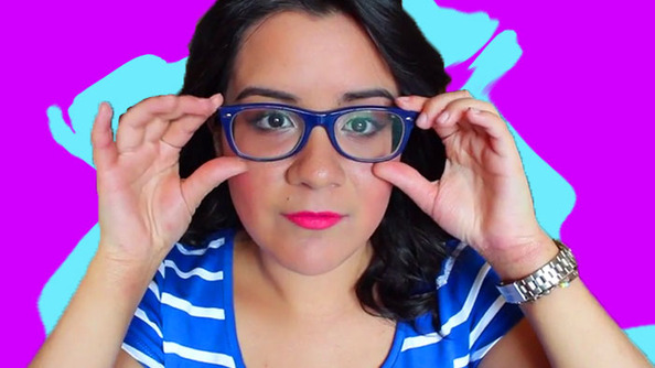 Attention Zooeys! SCHOOL YOURSELF on How to Do Makeup With Glasses