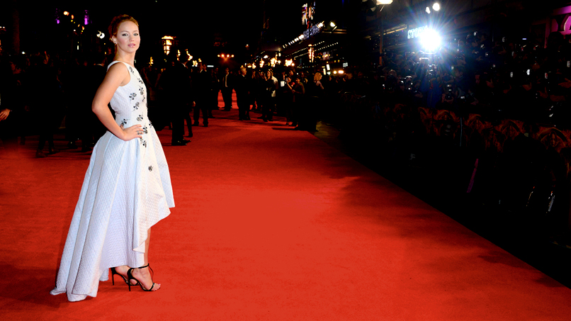 Did Effie Outshine Katniss at <em>Mockingjay</em>'s London Premiere?!