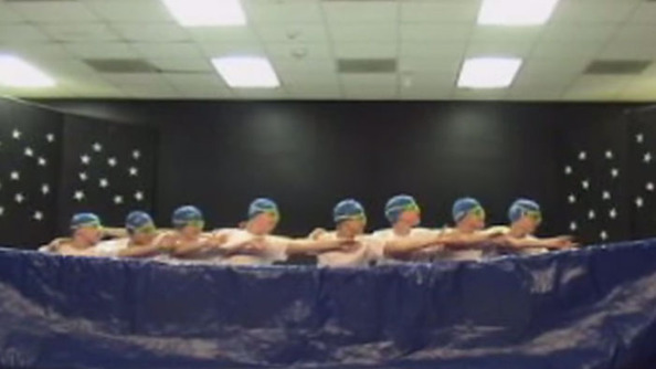 """Sychronized Swimming"" Routine Wins the Internets"