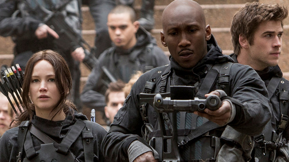The Newest <em>Mockingjay Part 2</em> Clip is Rife with DANGER and CHEEKBONES