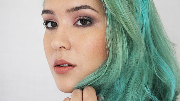Look Effortlessly Gorgeous with this Rosy Back-to-School Makeup Tutorial!