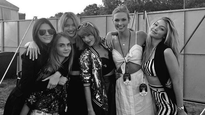 This Week's Celeb Twitter Roundup: Literally EVERYONE Was At Tay-Tay's Concert and We're Super Jealous