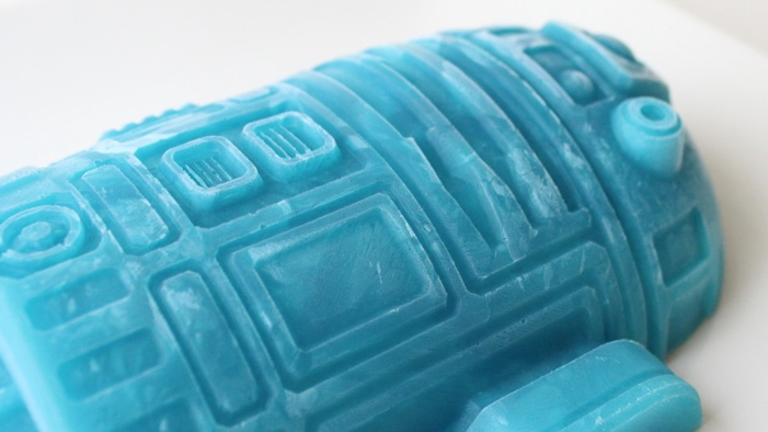 R2-D2 Blue Milk Ice Cream in This Week's Geeky Twitter!