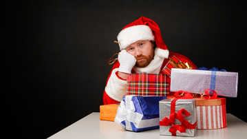 10 Ways to Deal With Terrible Christmas Gifts