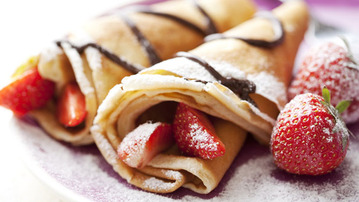 How to Make Nutella and Strawberry Crêpes