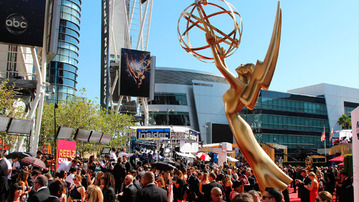 The OMGS, LOLS, HUHS, YAWNS, AND !!??s of the 2012 Primetime Emmys