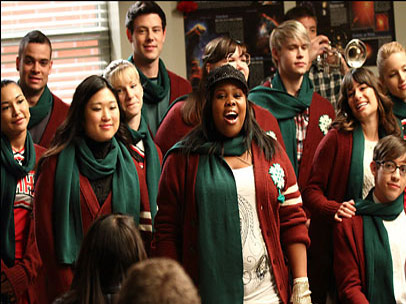 The SparkNotes Gleecap: Season 2, Episode 10 (A Very Glee Christmas)