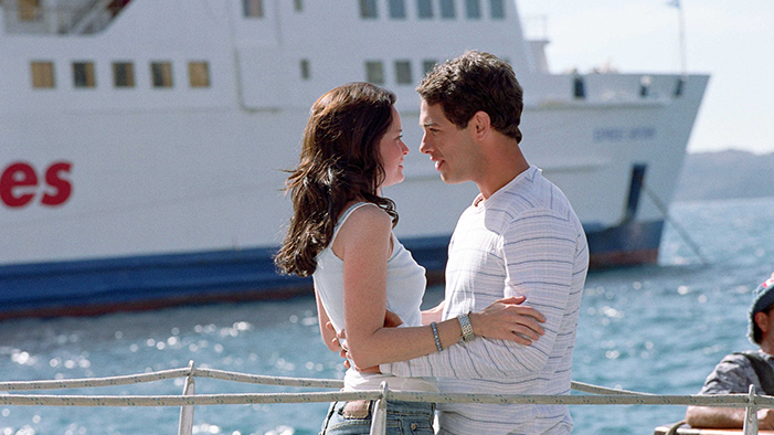 12 Ways to Tell You're About to Have a Summer Romance