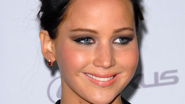 Jennifer Lawrence Is a Golden Goddess, America Confirms Last Night at the Critics' Choice Awards