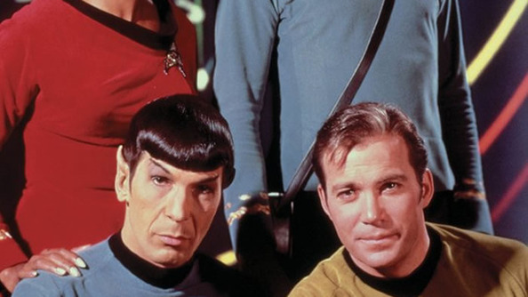 William Shatner's <i>Star Trek</i> Selfie Tribute to Leonard Nimoy Is AMAZING
