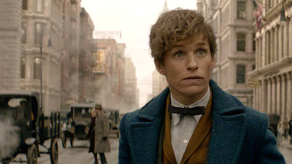 BREAKING: We've Got the PIPING HAWT New <em>Fantastic Beasts</em> Trailer!