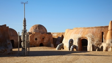 5 Mos Eisley Characters We'd Have Lunch With