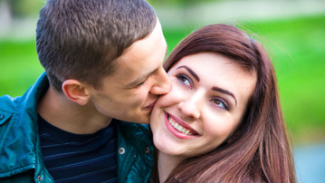 The Pros and Cons of Dating an Underclassman