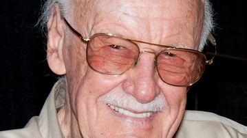 """VIDEO: Play as Stan Lee in """"The Amazing Spider-Man"""" Video Game"""