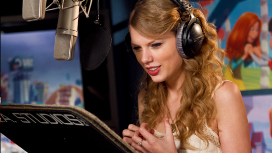 Here's the gorgeous TAYLOR SWIFT in the sound booth, recording the