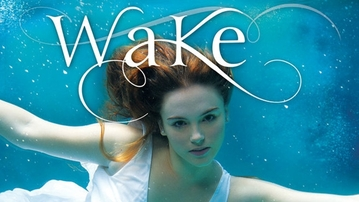 BOOK REVIEW: Wake by Amanda Hocking