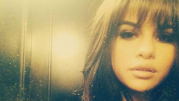 Breaking: Selena Gomez Got Bangs