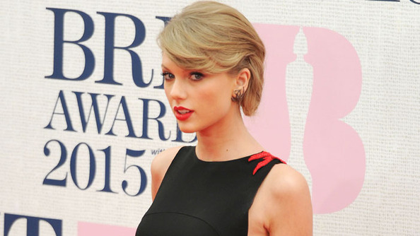Taylor Swift Is Asked About Love Life, Gives Non-Gossipy Answer
